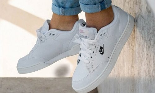 Nike Grandstand II – White / Navy - Sail - Arctic Punch
